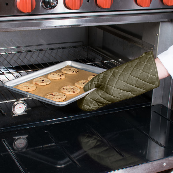 "Choice 15"" Flame-Retardant Oven Mitts - 2/Pack"