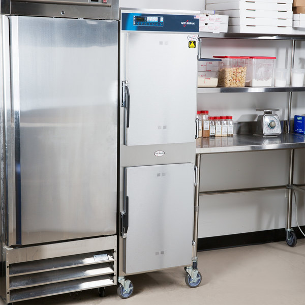 Alto-Shaam 1200-TH/III Full Height Cook and Hold Oven with Deluxe Controls - 208-240V, 6100-8000W