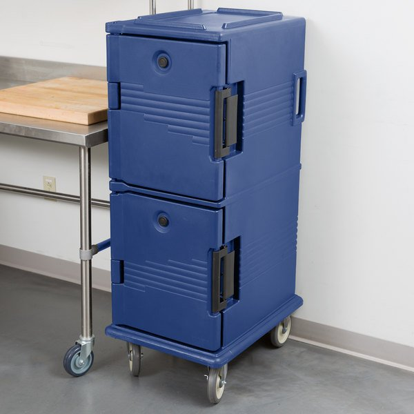 Cambro UPC800186 Ultra Camcarts® Navy Blue Insulated Food Pan Carrier - Holds 12 Pans Main Image 4