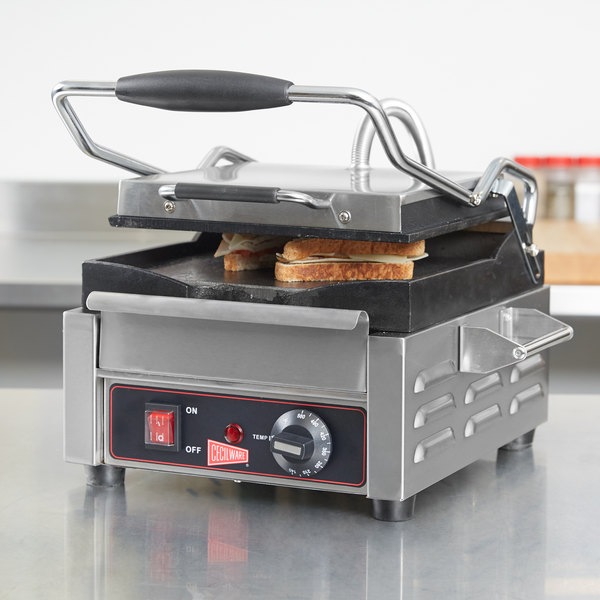 """Cecilware SG1SF Single Panini Sandwich Grill with Flat Grill Surfaces - 9 5/8"""" x 9"""" Cooking Surface - 120V, 1800W"""