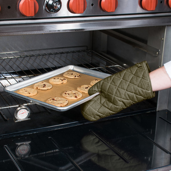 """Choice 13"""" Flame-Retardant Oven Mitts - 2/Pack"""