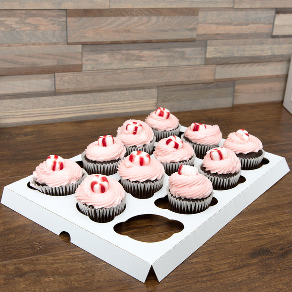Southern Champion 10016 Reversible Cupcake Insert - Standard - Holds 12 Cupcakes - 10/Pack