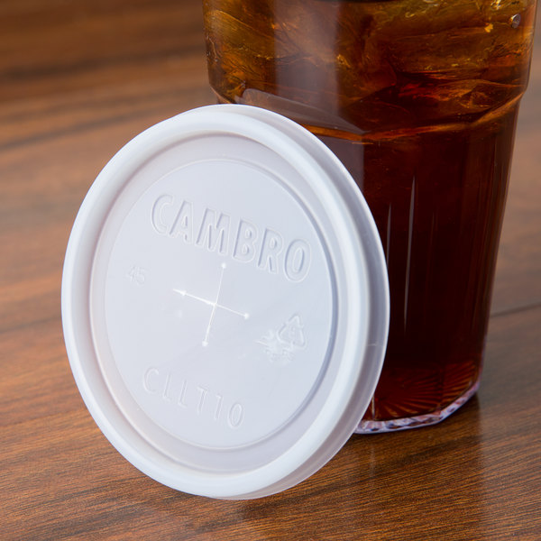 Cambro CLLT10 Disposable Translucent Lid with Straw Slot for Bowls, Mugs, and Tumblers - 1000/Case Main Image 6