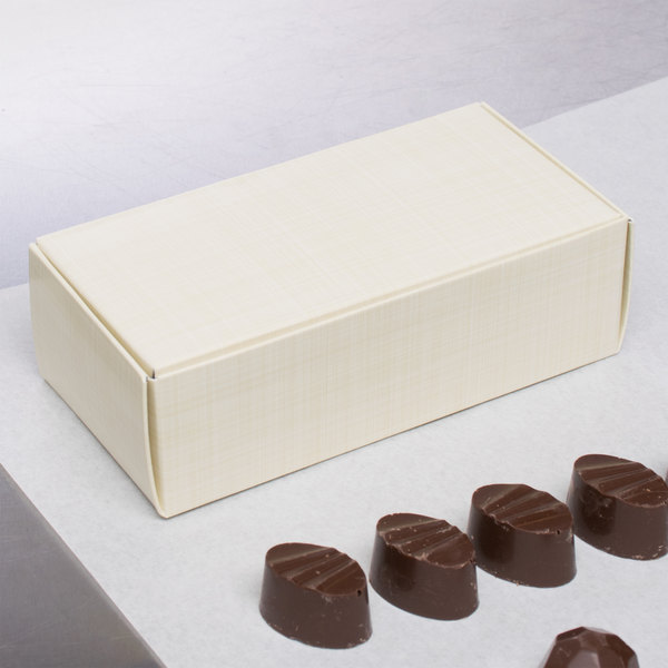 "5 1/2"" x 2 3/4"" x 1 3/4"" 1-Piece 1/2 lb. Gold Linen Candy Box - 250/Case"