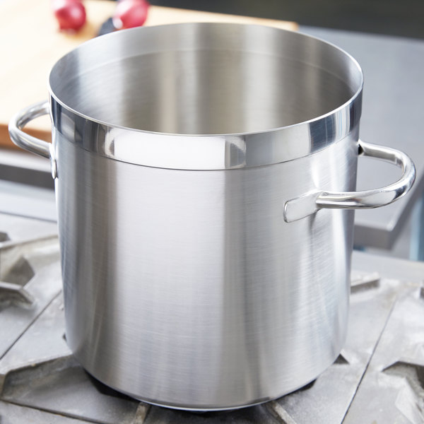 Vollrath 3103 Centurion 10.5 Qt. Stainless Steel Stock Pot Main Image 2