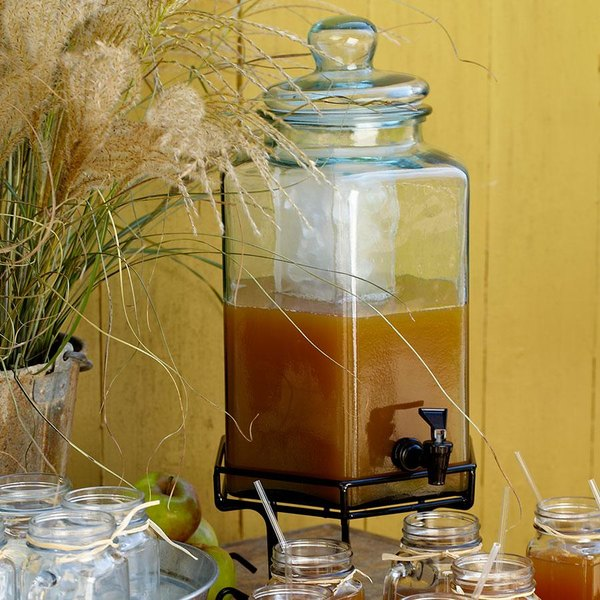Cal-Mil 1111 2 Gallon Octagonal Glass Beverage Dispenser with Wire Base and Ice Chamber Main Image 2