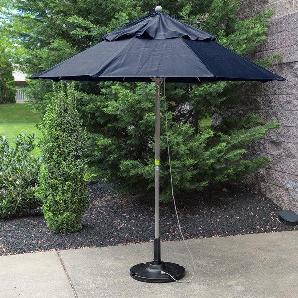 "Grosfillex 98386031 Windmaster 7 1/2' Navy Fiberglass Umbrella with 1 1/2"" Aluminum Pole"