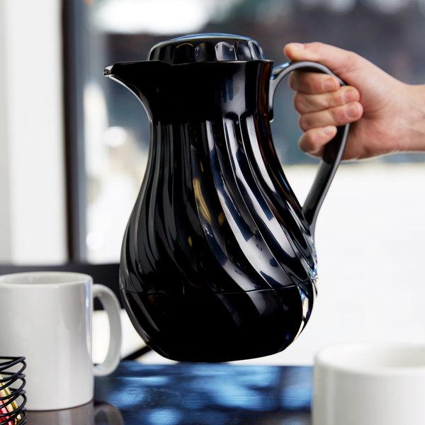 Vollrath 52140 SwirlServe Tilt & Pour 1.24 Liter Black Beverage Server