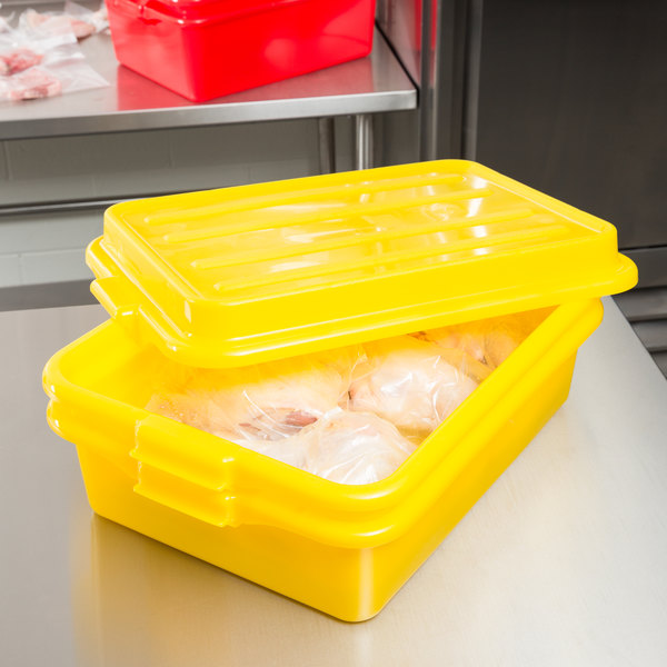 "Vollrath 1551-C08 Traex® Color-Mate Yellow 20"" x 15"" x 5"" Food Storage Drain Box Set with Snap-On Lid"