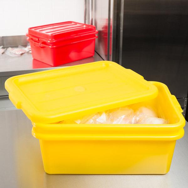 "Vollrath 1507-C08 20"" x 15"" x 7"" Yellow Polypropylene Food Storage Combo Set with Standard Lid"