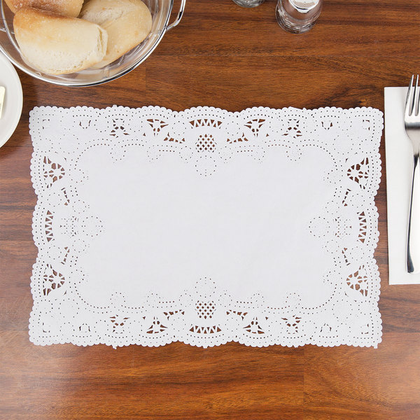 "Hoffmaster 310711 10"" x 14"" White Normandy Lace Paper Placemat with Scalloped Edge - 1000/Case"