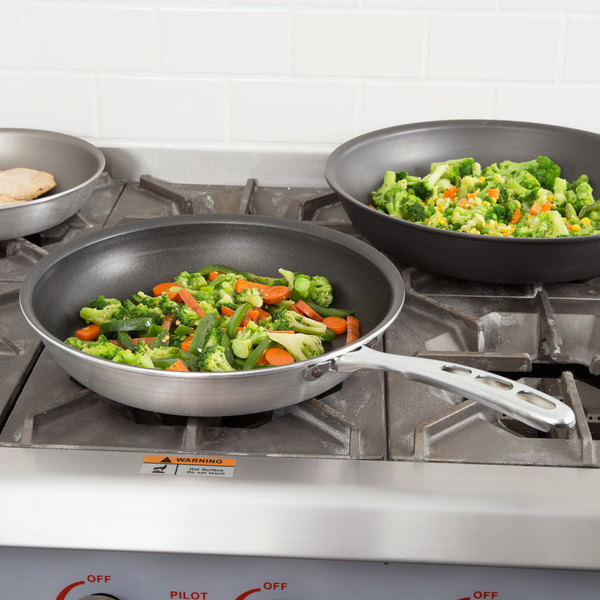 """Vollrath 67632 Wear-Ever 12"""" Non-Stick Fry Pan with SteelCoat x3 Interior and TriVent Chrome Plated Handle"""