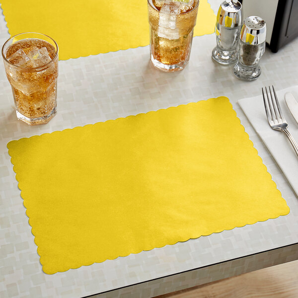 """Choice 10"""" x 14"""" Gold Colored Paper Placemat with Scalloped Edge - 1000/Case Main Image 2"""