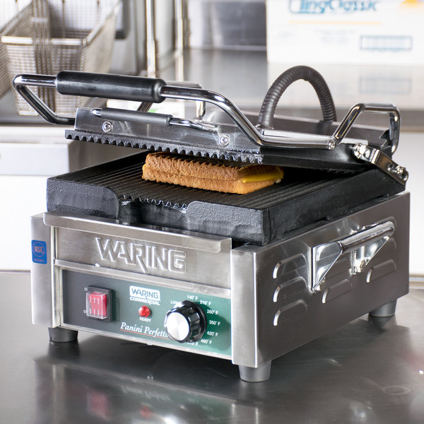 """Waring WPG150C 9 3/4"""" x 9 1/4"""" Grooved Top and Bottom Panini Sandwich Grill - 120V (Canadian Use Only)"""