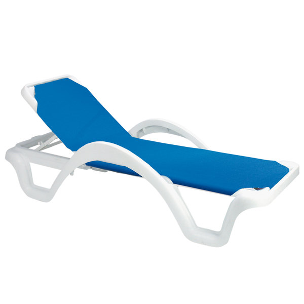 Pack of 2 Grosfillex 99202006 / US202006 Catalina White / Blue Stacking Adjustable Resin Sling Chaise