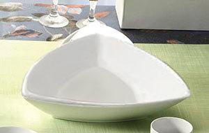 CAC SHA-T4 Sushia 2.5 oz. Super White Triangular Porcelain Bowl - 48/Case
