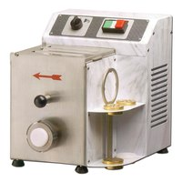 Tabletop Pasta Machine - 5.5 lb. / Hour