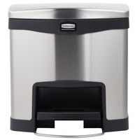 Rubbermaid 1901982 Slim Jim Stainless Steel Black Accent Front Step-On Trash Can with Single Rigid Plastic Liner - 16 Qt. / 4 Gallon