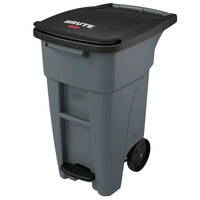 Rubbermaid 1971944 Brute 32 Gallon Gray Step-On Rollout Container with Lid