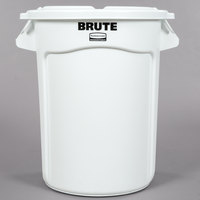 Rubbermaid BRUTE 32 Gallon White Ingredient Bin / Trash Can and Lid