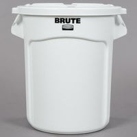 Rubbermaid BRUTE 20 Gallon White Ingredient Bin / Trash Can and Lid