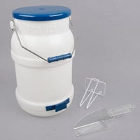 Choice 5 Gallon Ice Tote Kit with 12 oz. Scoop and Scoop Holder
