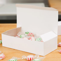 Baker's Mark 1 lb. White 1-Piece Auto-Popup Candy Box - 25/Pack