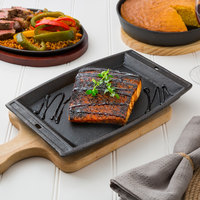 Valor 11 inch x 7 inch Pre-Seasoned Cast Iron Rectangular Sizzler