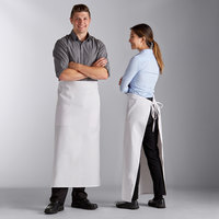 Choice White Full Length Bistro Apron with Pockets - 38 inchL x 33 1/2 inchW