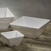 American Metalcraft FSWMEL53 23 oz. White Faux Slate Square Melamine Serving Bowl
