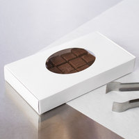 7 1/2 inch x 4 inch x 1 1/8 inch White 1/2 lb. 1-Piece Candy Box with Oval Window   - 250/Case