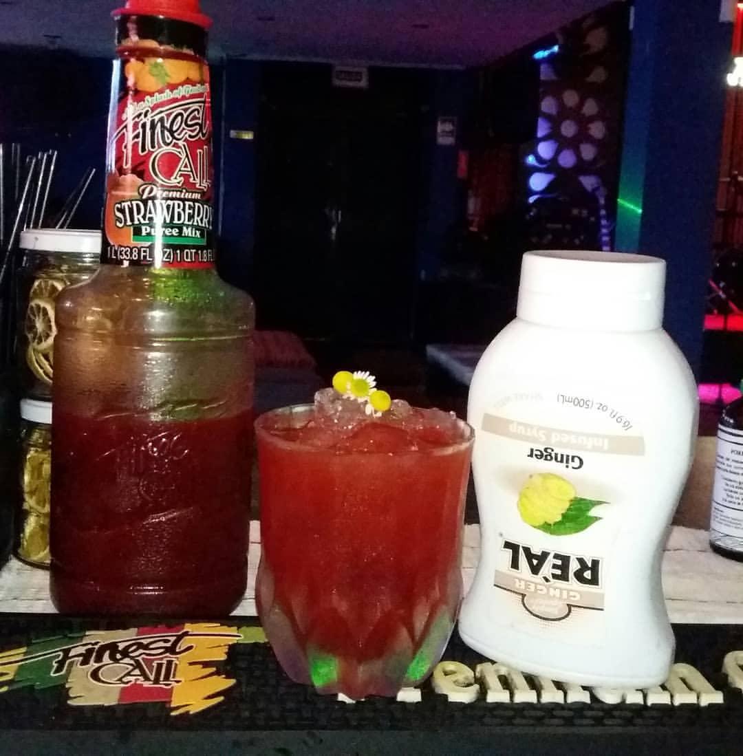 Finest Call 1 Liter Premium Strawberry Puree Drink Mixer