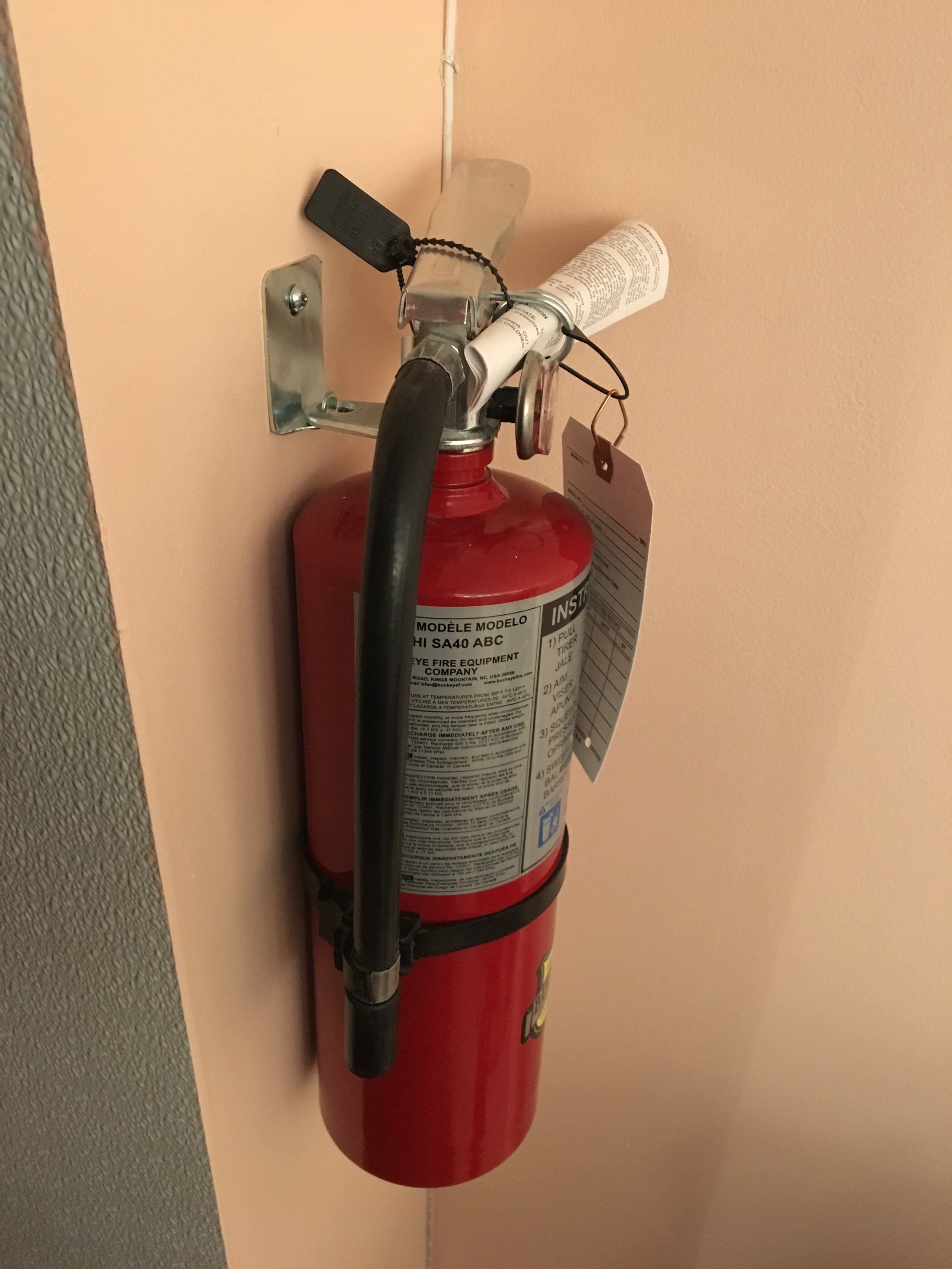 Buckeye 5 lb  ABC Fire Extinguisher - Rechargeable Tagged - UL Rating  3A-40B:C