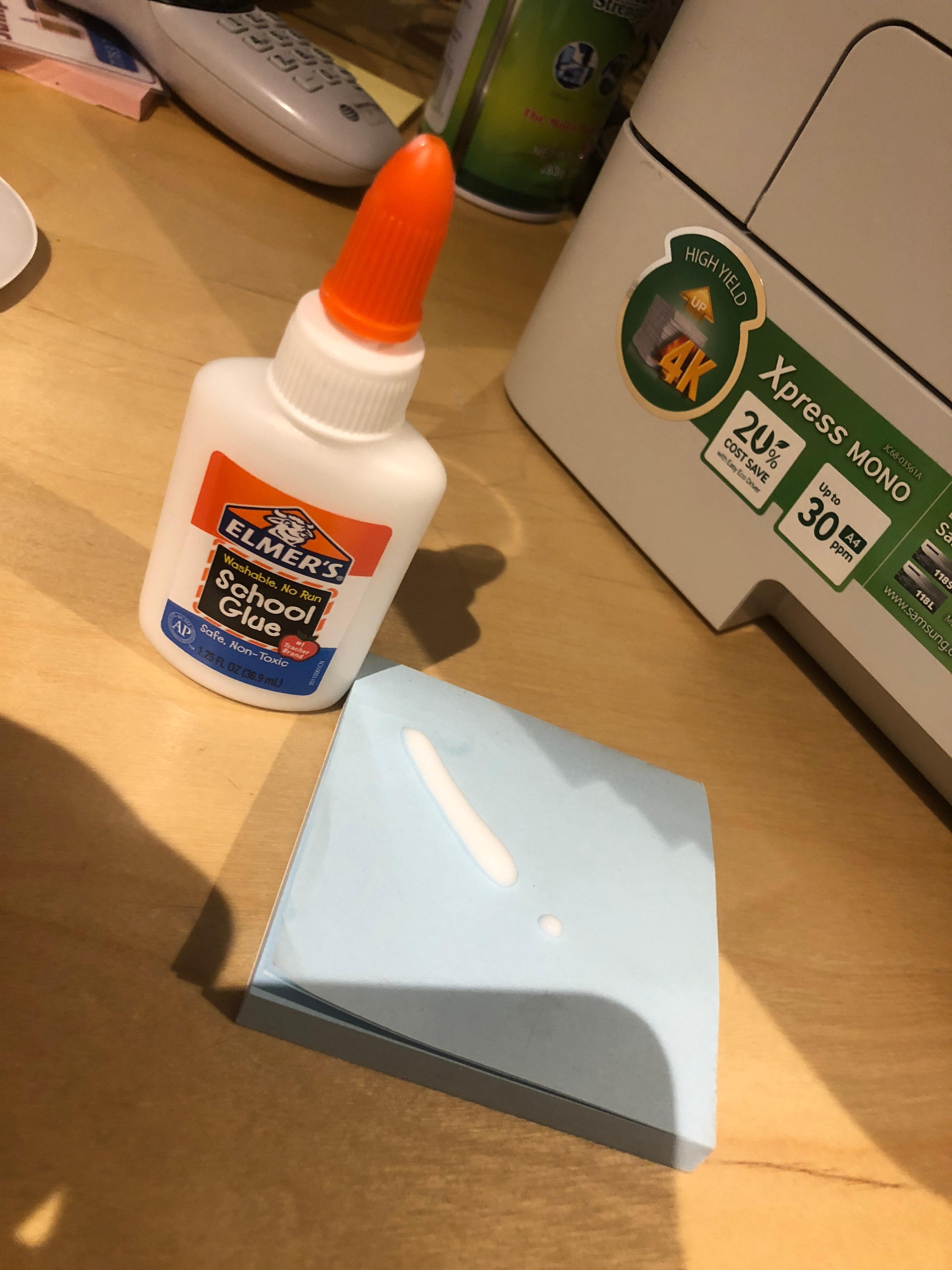 Elmer's E301 1.25 oz. White Liquid School Glue -