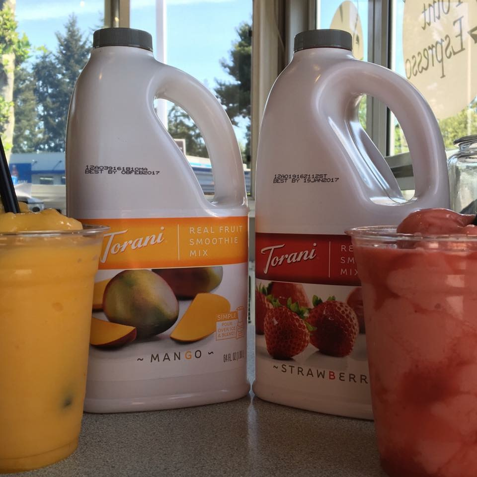 Torani 64 oz  Strawberry Fruit Smoothie Mix
