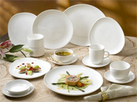 Empire Coupe dinnerware in action