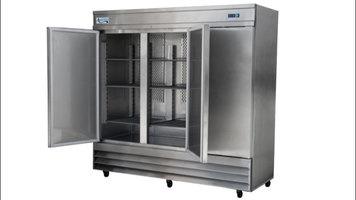 Features of the Avantco CFD 3RR 3 Door Reach In Refrigerator