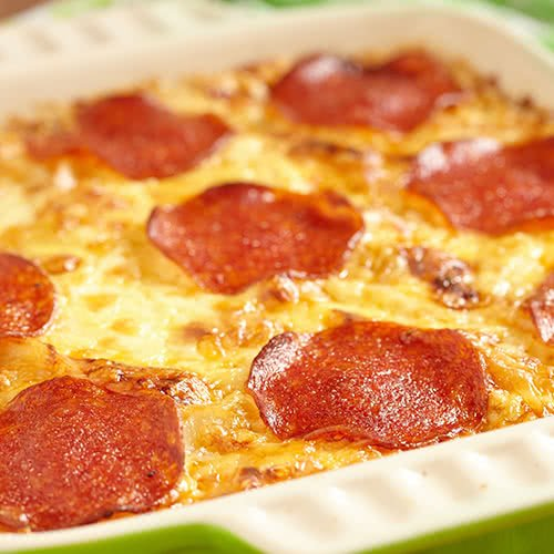Pan Crust Round Table.Types Of Pizza Pizza Crust Styles The Definitive Guide