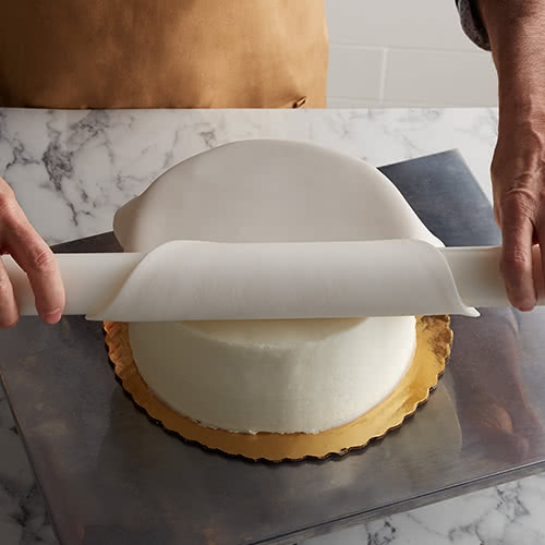 Rolling out Fondant