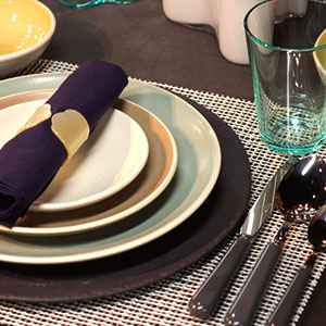 charger table setting & How to Use Charger Plates | What are Charger Plates?