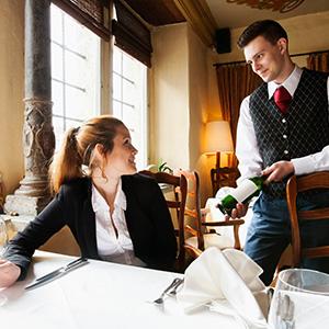 Restaurant Server Training  38806b10d