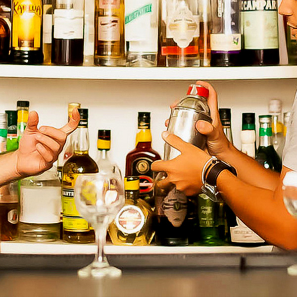 Although Many Professional Bartenders Never Attend A Bartending School, Or  Have A Bartending License, There Are Owners Who Prefer To Hire Graduates Of  ...