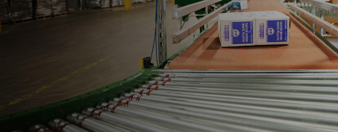 Conveyor belt moving packages