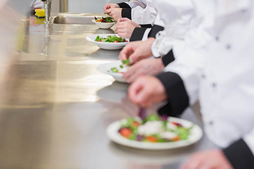 Expeditor  Non Cooking Role, Person In Charge Of Organizing Orders By Table  So Everyone Sitting At A Particular Table Is Served At The Same Time.